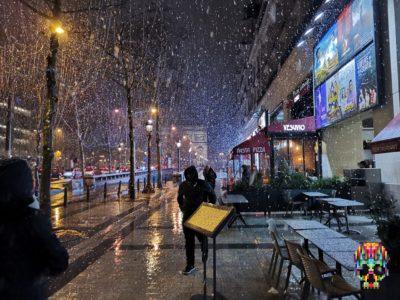 Paris im Schneegestöber